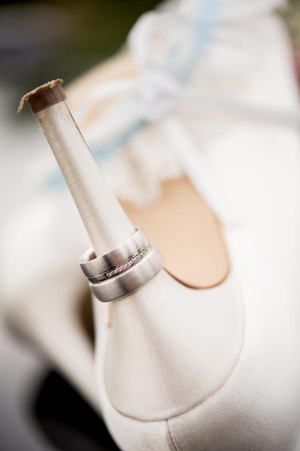06 Hochzeitsfotos Schuhe Ring